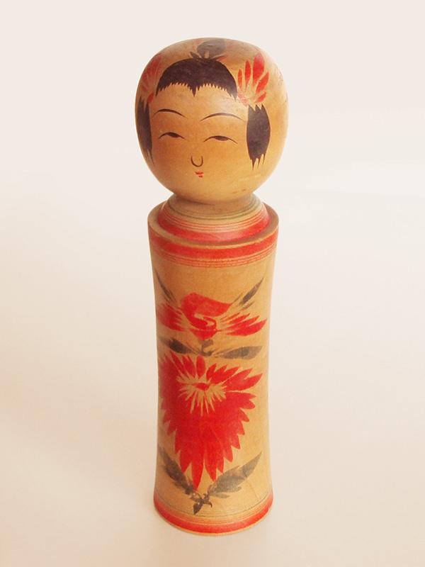 Muñeca kokeshi